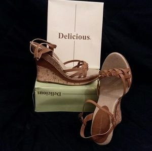 New DELICIOUS Charleen Tan Sexy Platform Shoes 9